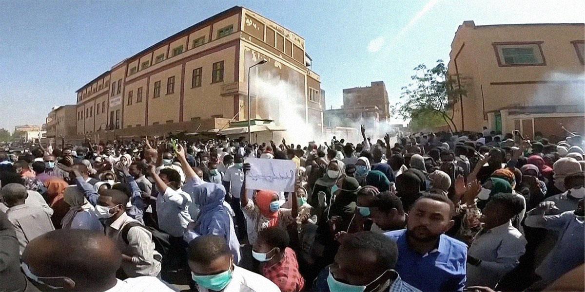 """احتجاجات السودان: العفو الدولية تقدر الضحايا بـ 37 قتيلاً والبشير يتحدث عن """"خونة"""""""