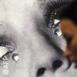 البكاء على صدر الحبيب أم بين أقدامه: هل تختلف دموع الفرح عن دموع الحزن؟