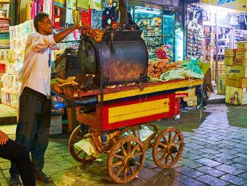 الشلغم، اللبلابي، والبليلة: حل فصل الشتاء، ما هي الأطعمة التي تقدمها عربات مدننا العربية؟