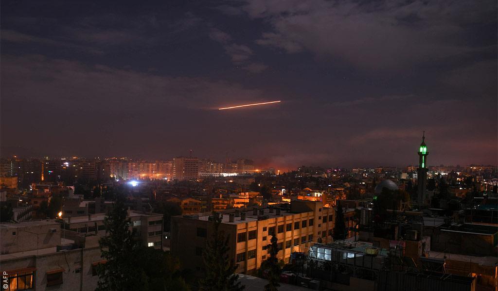 إسرائيل تقتل 11 شخصاً في قصف سوريا وتبرر ذلك باستهداف إيران