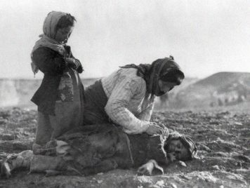 المؤرخ الإسرائيلي بني موريس: مذابح الأتراك ضد الأرمن والأشوريين واليونانيين استمرت 30 عاماً