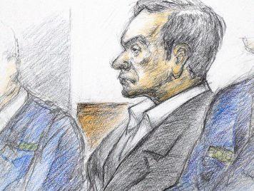 بخُفّين من البلاستيك..كارلوس غصن يقف أمام القاضي ويُكذّب نيسان