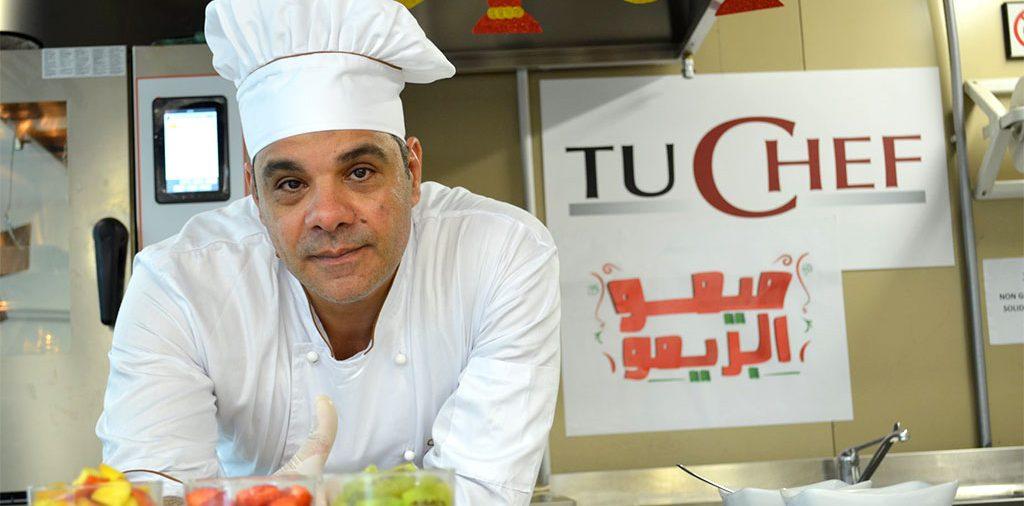 """ميمو روما... قصة الشيف الذي أصبح """"روبين هوود"""" المطبخ الإيطالي بلا منازع"""