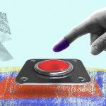 """كاميرات لا تعمل، أزرار بلا وظائف وانتخابات شكلية: ألعاب السلطة التي تجعلنا """"متشابهين"""""""