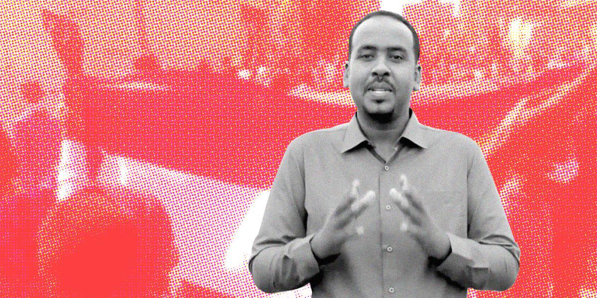 """طرد مذيع سوداني ترحمّ على """"شهداء تظاهرات السودان"""""""