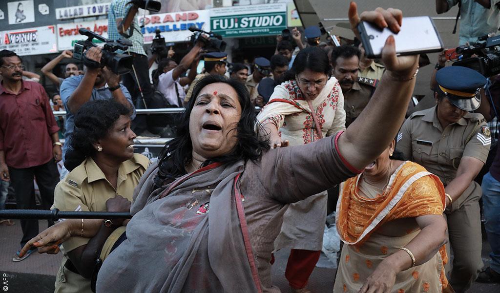 """اشتباكات في الهند لليوم الثاني على التوالي بسبب دخول """"امرأتين"""" معبد"""