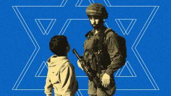 فلسطينيات يستبسلن في الدفاع عن طفل من قبضة الاحتلال