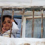 أطفال اليمن يصرخون بوجه الموت والعالم: لا تقبروناش!