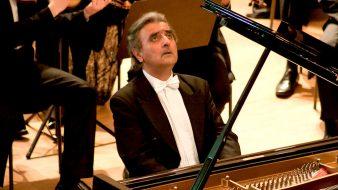 """عازف البيانو العالمي رمزي يسى: """"ليس هناك دولة شقيقة وأخرى عدوة.. التطبيع الثقافي كلمة بلا معنى"""""""