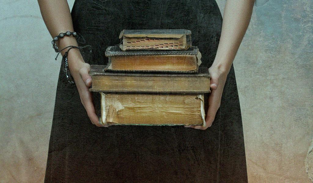 هواية المثقفين: فن تكديس الكتب دون قراءتها