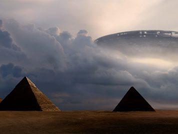 """لقاءات """"مصرية"""" مع مخلوقات فضائية وصحون طائرة في أجواء """"أم الدنيا"""""""
