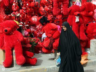 """فالنتاين في بغداد: """"هنالك احتفالات يشوبها المنكر"""" لكنهم على الأقل يحتفلون بالحب"""