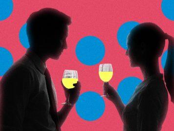 الحب بعد الأربعين (2): نظرة فابتسامة فموعد فخمر فحشيشة