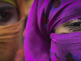 """من أنياب """"العدو"""" إلى مخالب """"الإخوة""""... فتيات الروهينغا يحاولن الهرب من الاستغلال الجنسي إلى ماليزيا"""