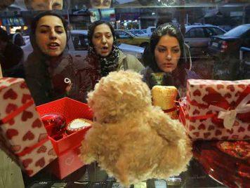 عسل فالنتاين في طهران، وزوال الجسد!